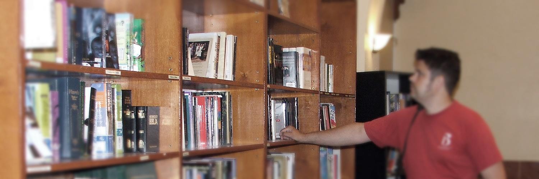 kr-bokhandel-baku_red